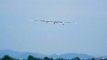 Este avión de energía solar no tripulado completó su vuelo