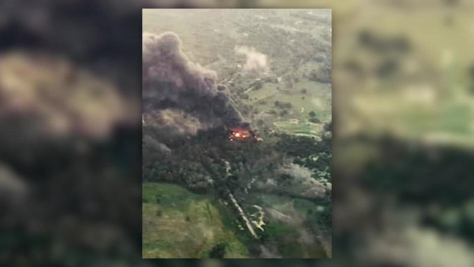 Incendian 4 piscinas con 2.600 barriles de petróleo
