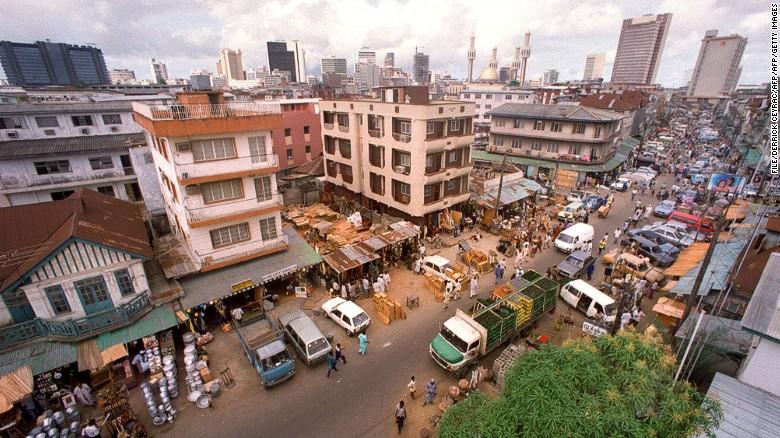 Lagos se hunde