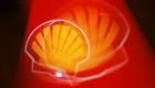 Ganancias de Shell caen más de 50%