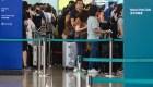 Al menos 100 vuelos cancelados por huelga en Hong Kong