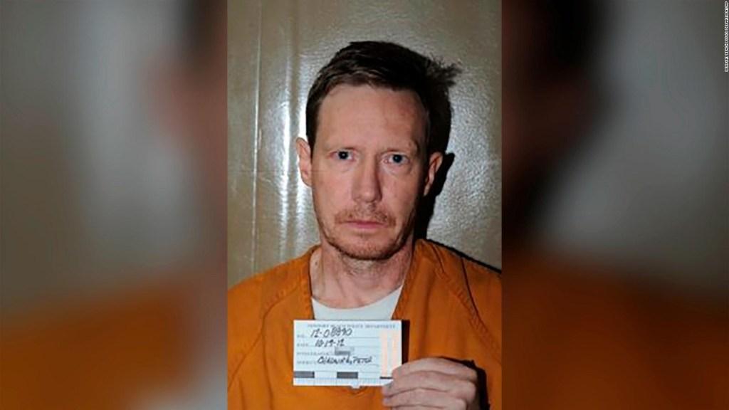 Atrapan a millonario acusado de asesinar a su esposa
