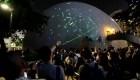 Protestan con láseres en Hong Kong por detención de líder estudiantil