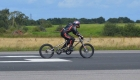 Británico bate el récord de velocidad en bicicleta