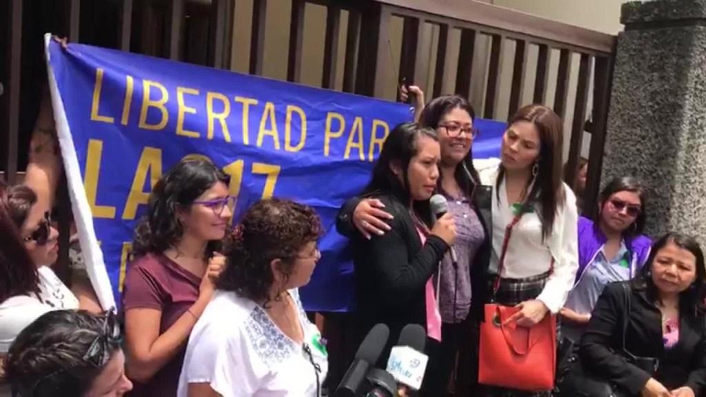La justicia salvadoreña absuelve a Evelyn Hernández