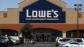Vicepresidente de Lowe's se disculpa por comentario sobre hispanos