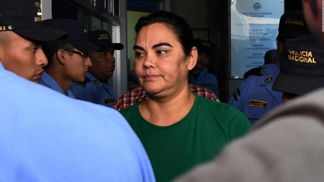 Ex primera dama de Honduras, ¿en la boca del lobo?
