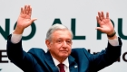 """López Obrador reconoce que la economía """"crece poco"""""""