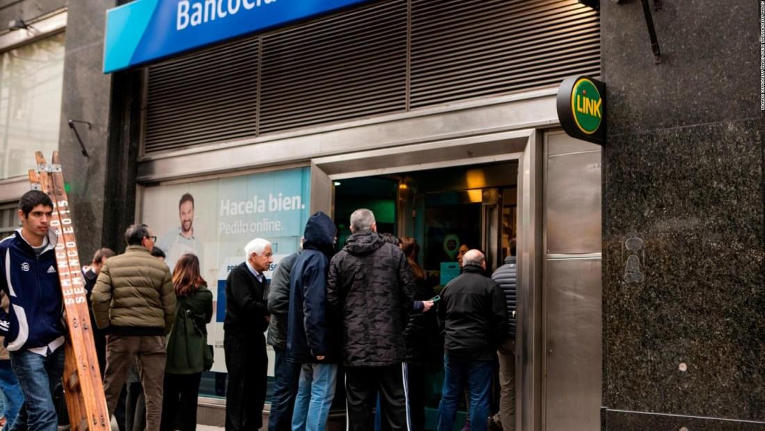 Así cerró la primera semana de control cambiario de Macri