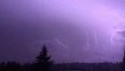 Tormenta eléctrica descarga 1.250 rayos