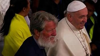 El papa se reúne con exalumno en Madagascar