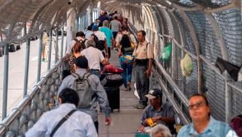 Corte Suprema apoya temporalmente las limitaciones de asilo de Trump
