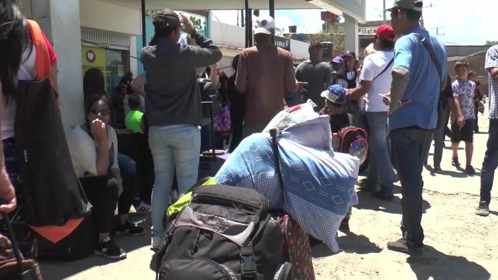 Crisis obliga a venezolanos viajar a la  frontera colombiana