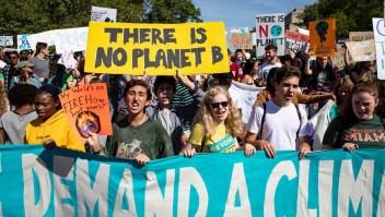 Miles de jóvenes lideran protestas contra el cambio climático