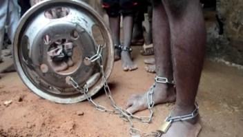 Rescatan más de 300 personas encadenadas en Nigeria