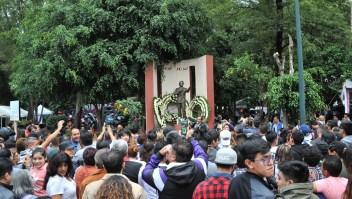El barrio de José José recuerda al cantante