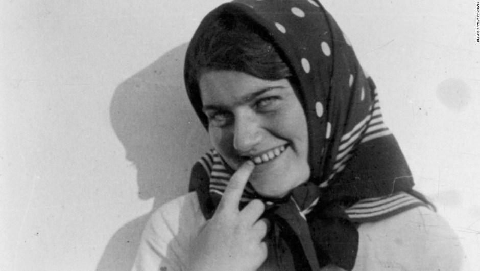 Los nazis la mataron a tiros en 1942. Su diario secreto se publicará después de 70 años en una bóveda de un banco.