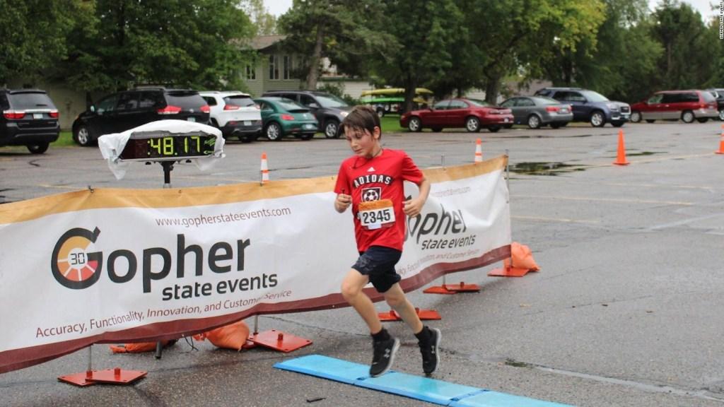 Niño ganó accidentalmente una carrera de 10k