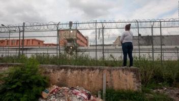 Buscan restos humanos en el penal de Topo Chico