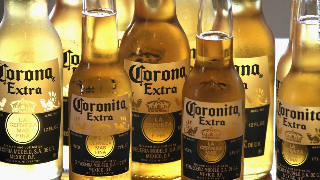 Dueña de Corona reporta pérdidas por inversión en marihuana