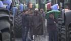 Productores agrícolas bloquean carreteras en Francia