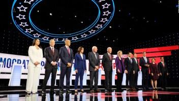 Aspirantes demócratas dicen sí a un juicio político a Trump