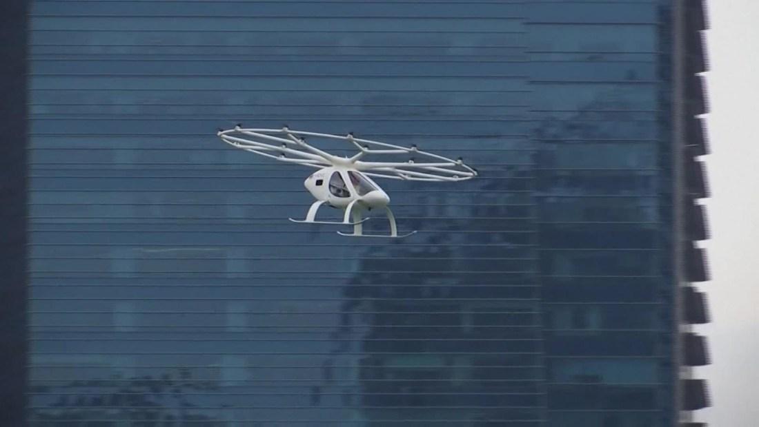 Volocopter prueba su primer taxi aéreo en Singapur