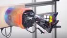 La mano robótica que resuelve el cubo Rubrik