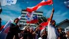 Manifestante valoran medidas de Piñera, pero creen que no es suficiente