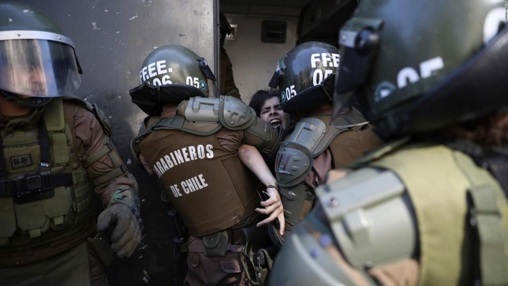 Arturo Valenzuela opina sobre el uso del Ejército durante las protestas en Chile