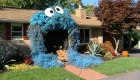 Convierten casa en Cookie Monster para Halloween