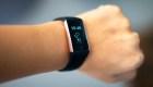 Breves económicas: Suben las acciones de Fitbit tras interés de Alphabet