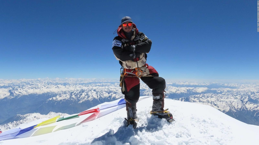Se bate récord mundial en escalar las 14 montañas más altas