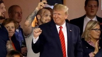 Vítores y abucheos a Trump en Serie Mundial