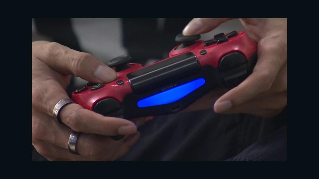 """China impondrá """"toque queda"""" para combatir adicción a videojuegos"""