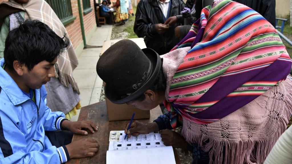 Presentan demanda penal tras las elecciones en Bolivia