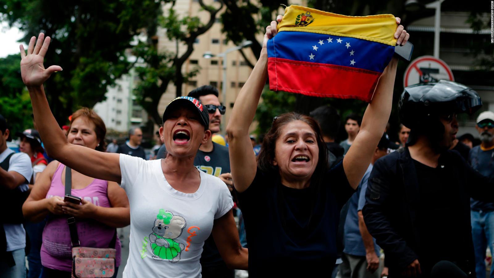Opositores y oficialistas se manifiestan en Venezuela