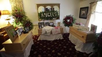 Dan último adiós a más víctimas de la masacre en México