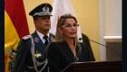 Jeanine Áñez promete llamar a elecciones pronto