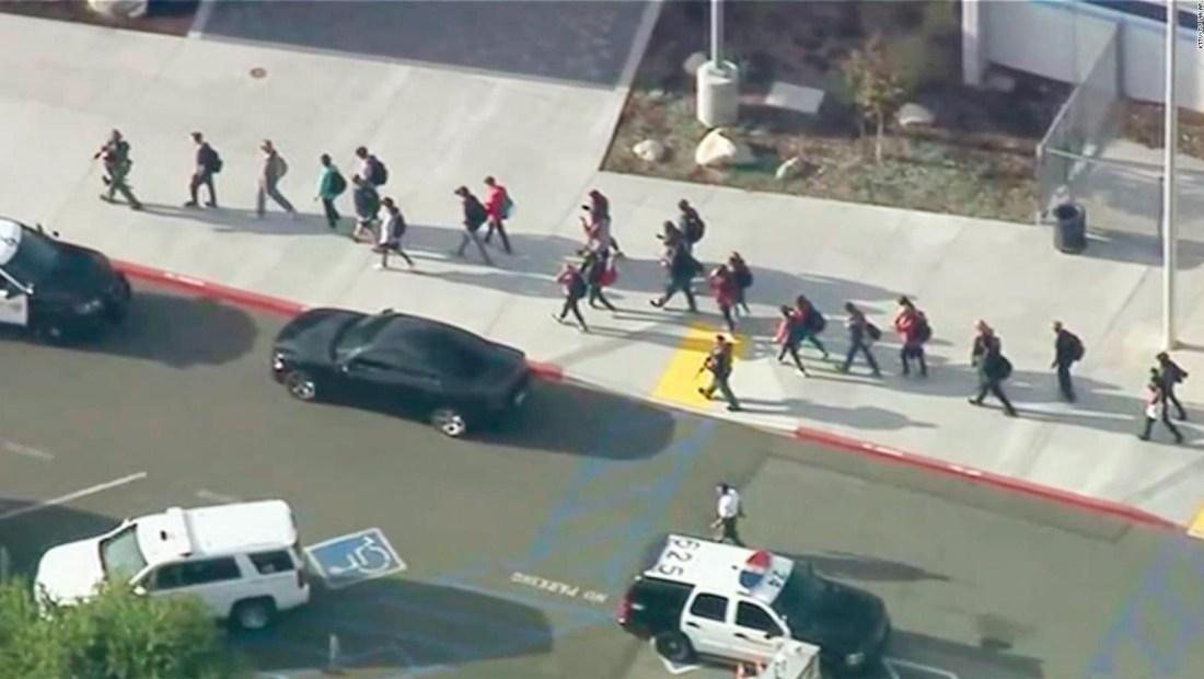 Varios heridos en tiroteo en California