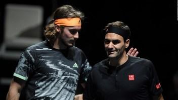Tsitsipas: Mis partidos contra Federer son las mejores lecciones que he recibido
