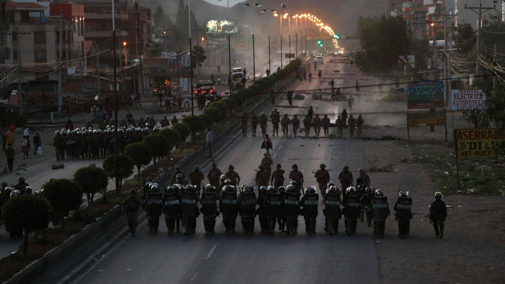 Bolivia: Denuncian decreto que exime de responsabilidad penal a militares