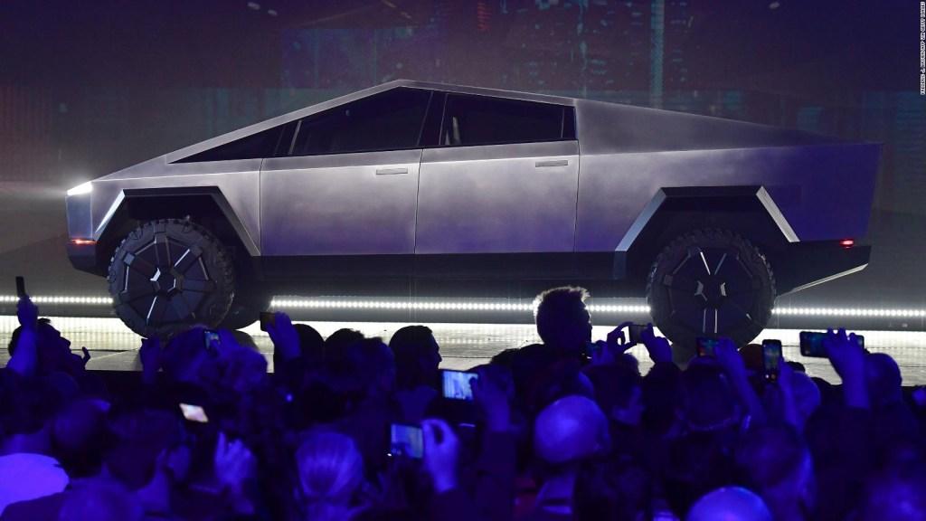 Tesla dice que ya tiene 200 mil pedidos del Cybretruck