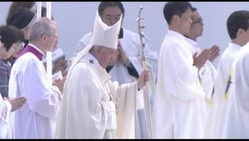 El papa condena las armas nucleares