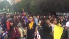 Miles de colombianos continúan protestando en las calles