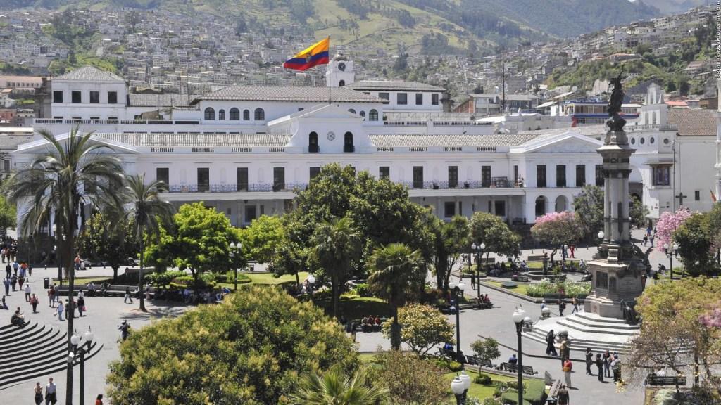Ley de reforma fiscal en Ecuador: ¿pone en juego la dolarización?