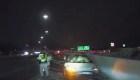 Casi atropellan a un policía en Utah