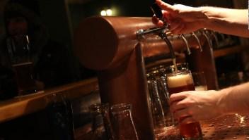 Efecto alcohólico: ¿A cuánta cerveza equivale dormir mal?