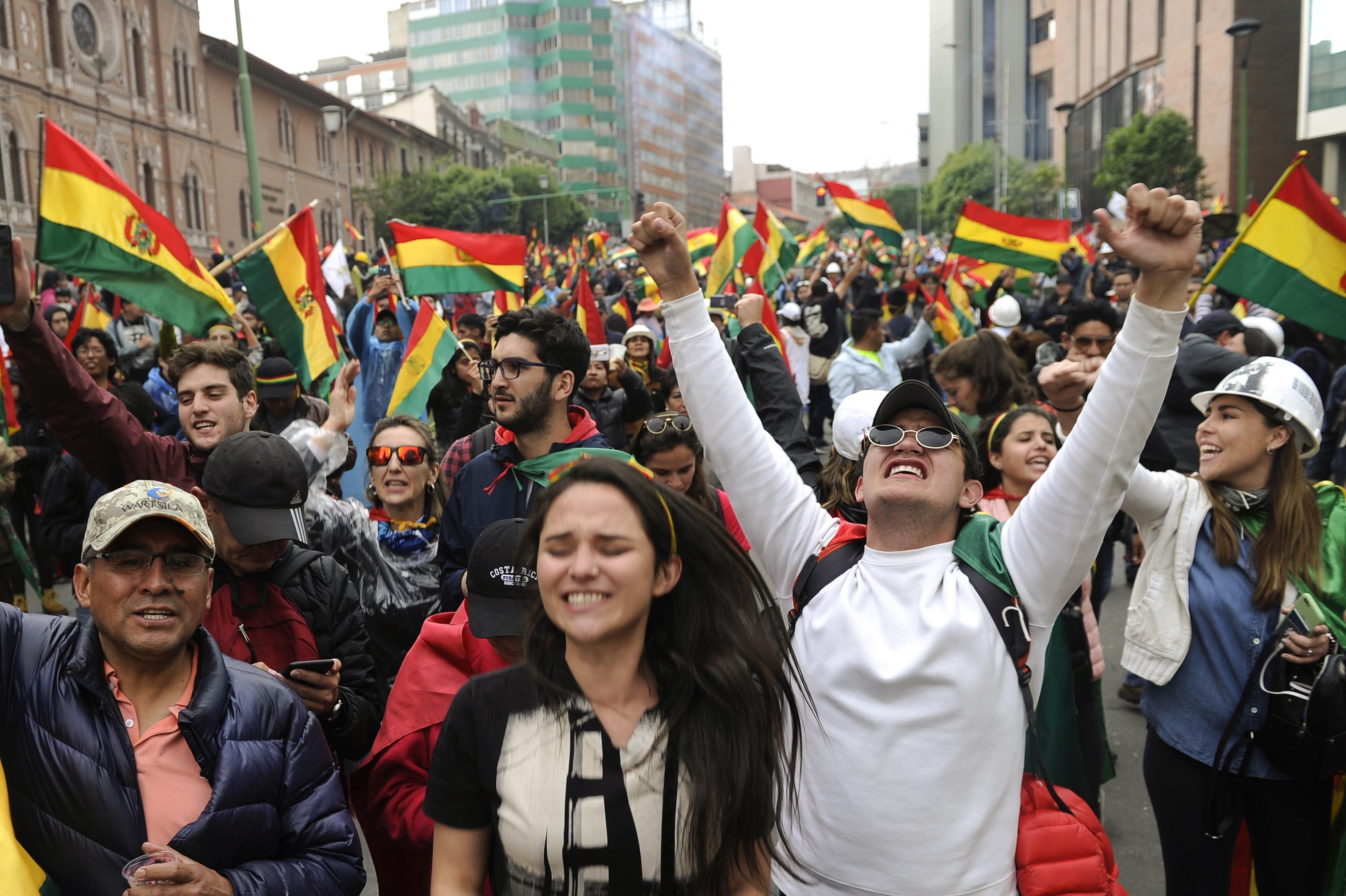 bolivia renuncia evo morales protestas elecciones