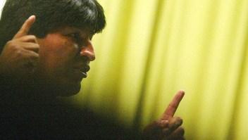 "PONTEVEDRA, SPAIN: Deputy and leader of the coca-producing farmers Bolivian Evo Morales speaks during the ""Week of Philosophy"", in Pontevedra, northwestern Spain, 13 April 2004. AFP PHOTO MIGUEL RIOPA (Photo credit should read MIGUEL RIOPA/AFP via Getty Images)"